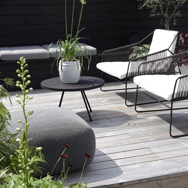 Lounge Möbel Dachgarten, Sitzgruppe Terrasse, schwarze Metallstühle