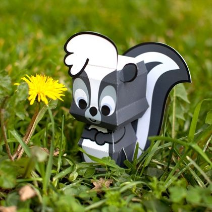Bambi hangs out with an adorable crowd of critters, and Flower the skunk is no exception. Bring him to life with Disney Family's printable papercraft.