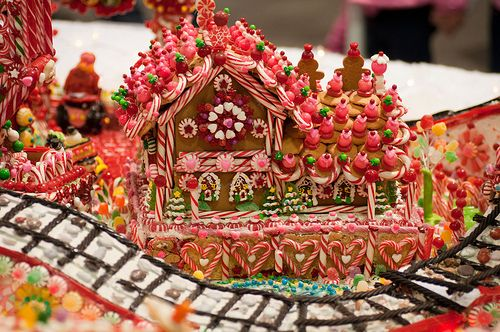 Christmas Treats Candy Canes Gingerbread House Ideas For Decorating Delectable Candy Cane House Decorations