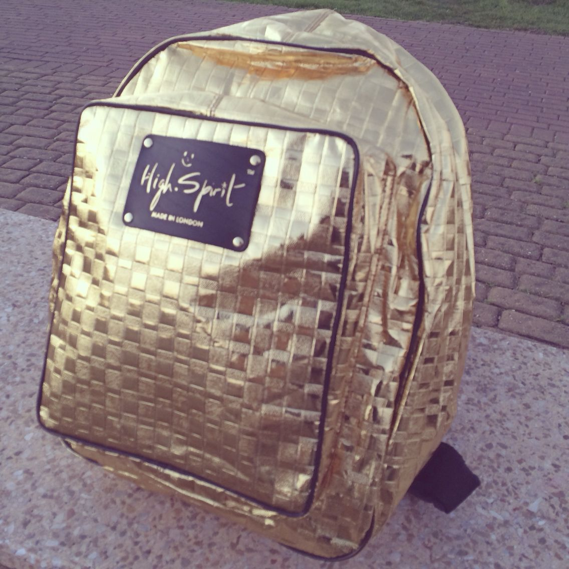 NEW Design called Gold Mine will be available on www.highspiritbags.com very soon! :-) #highspirit #highspiritbag #bag #backpack #theftproofbag #theftproof #style #stylish #unicorn #unique #instafashion #shopping #love #chic #london #worldwide #accessory #accessories #travel #seetheworld #shine #celfie #design #gold #glam #sparkly