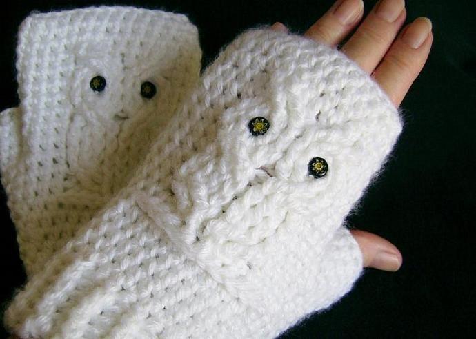 White Owl Crocheted Fingerless Gloves, Mitts, Mittens, Wristwarmers ...