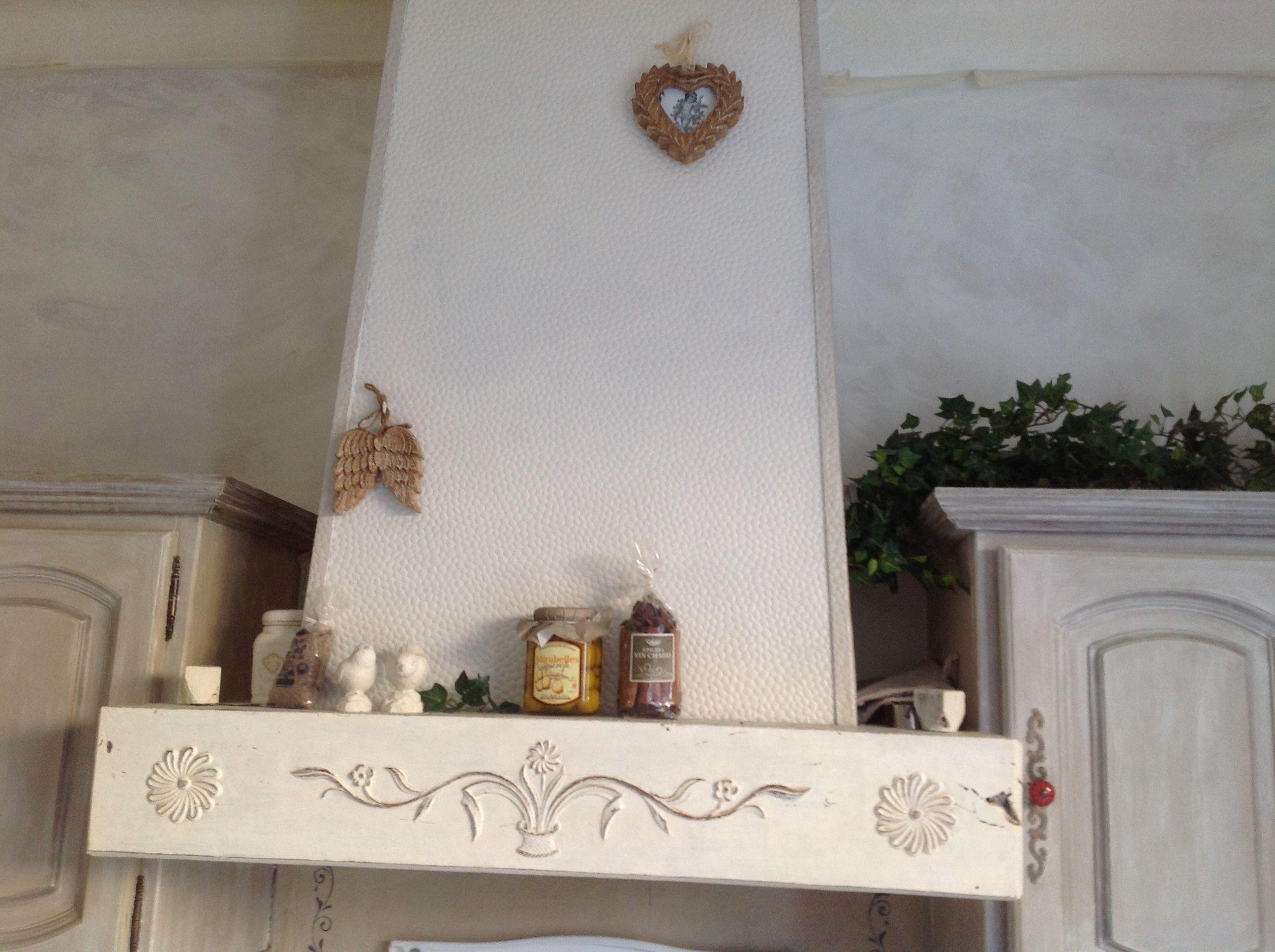 Relooking de poutre et hotte cuisine mur patin s glacis - Peinture pour hotte de cheminee ...