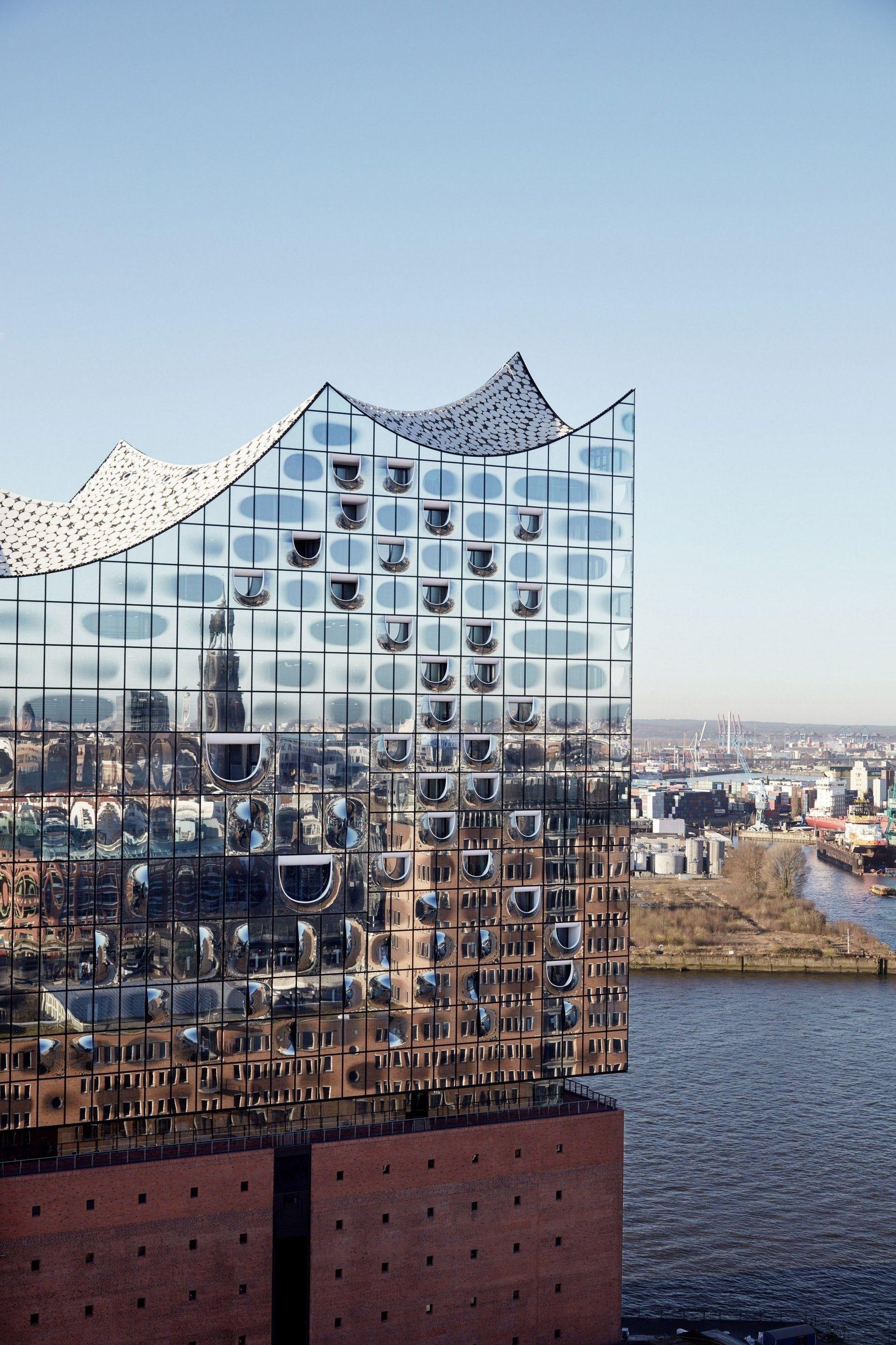 Elbphilharmonic Hamburg By Herzog And De Meuron And Elbphilharmonie Http Www Archello Com En Proje Facade Architecture Architecture Exterior Modern Buildings