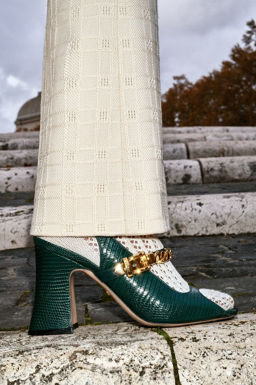 Gucci PreFall 2020 Fashion Show is part of Trending womens shoes, Trending shoes, Fabulous shoes, Fall shoes, Fashion shoes, Casual shoes women - The complete Gucci PreFall 2020 fashion show now on Vogue Runway