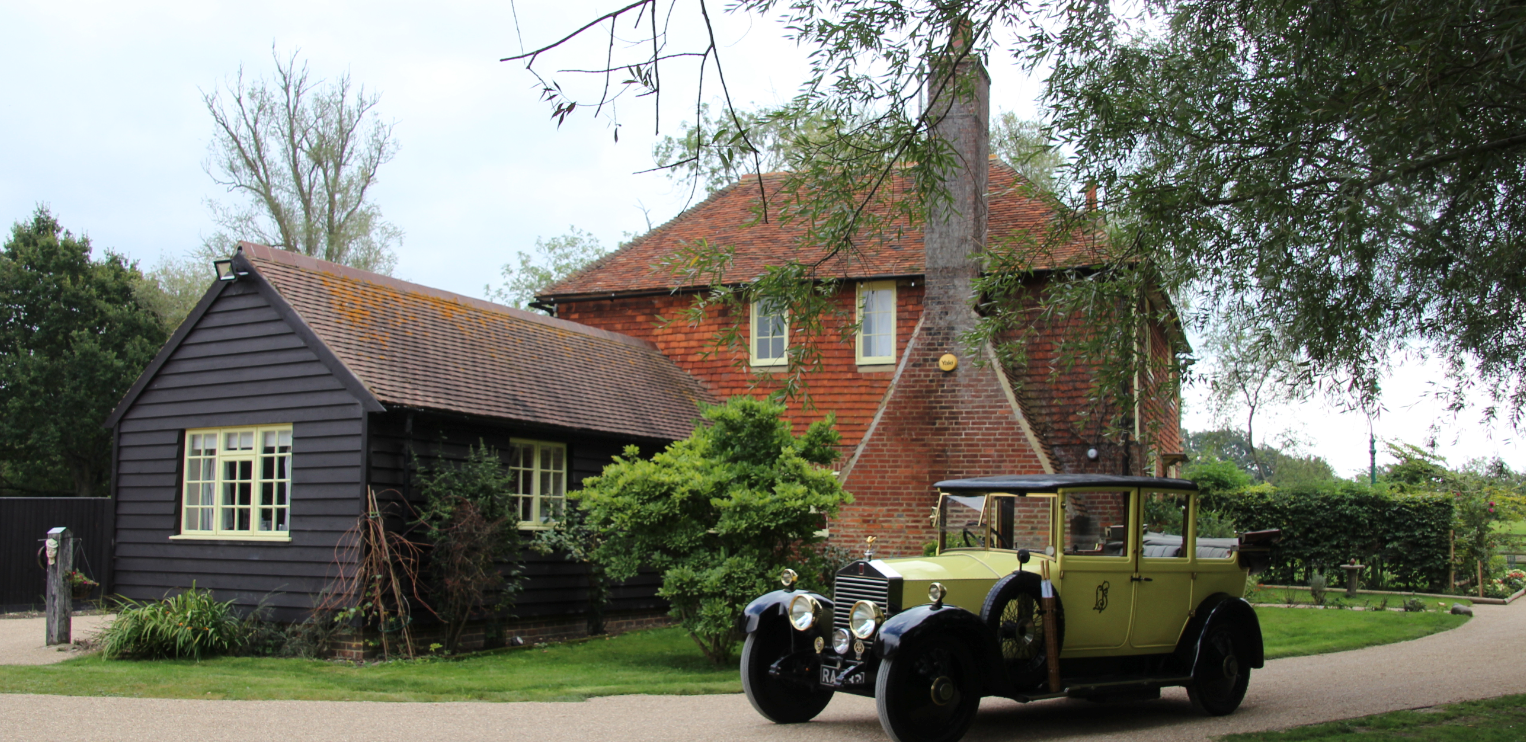 WOW you can stay at Darling Buds of May Farm House