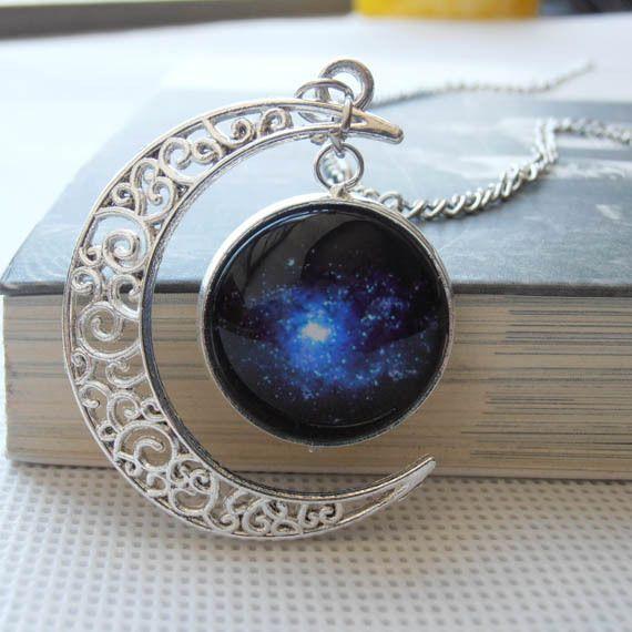 34854102fddc Argent à la main croissant de lune collier de pierre de lune avec Galaxy  Cosmic Star Universe nébuleuse Charm pendentif 2014 bijoux pour  cadeau(China ...