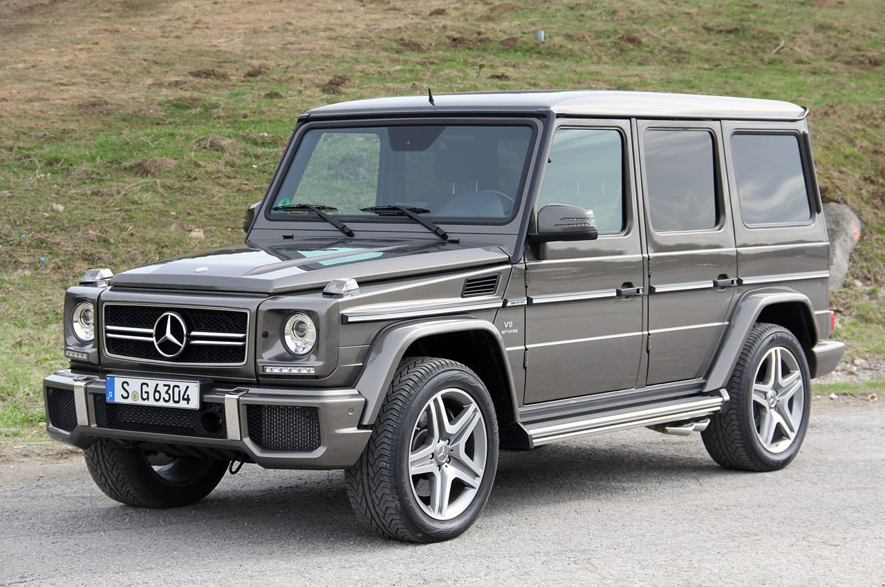 Mercedes g63 amg sitting there looking all ugly this car is for the pretencious soccer mom who wants her friends to think life is great and she has got
