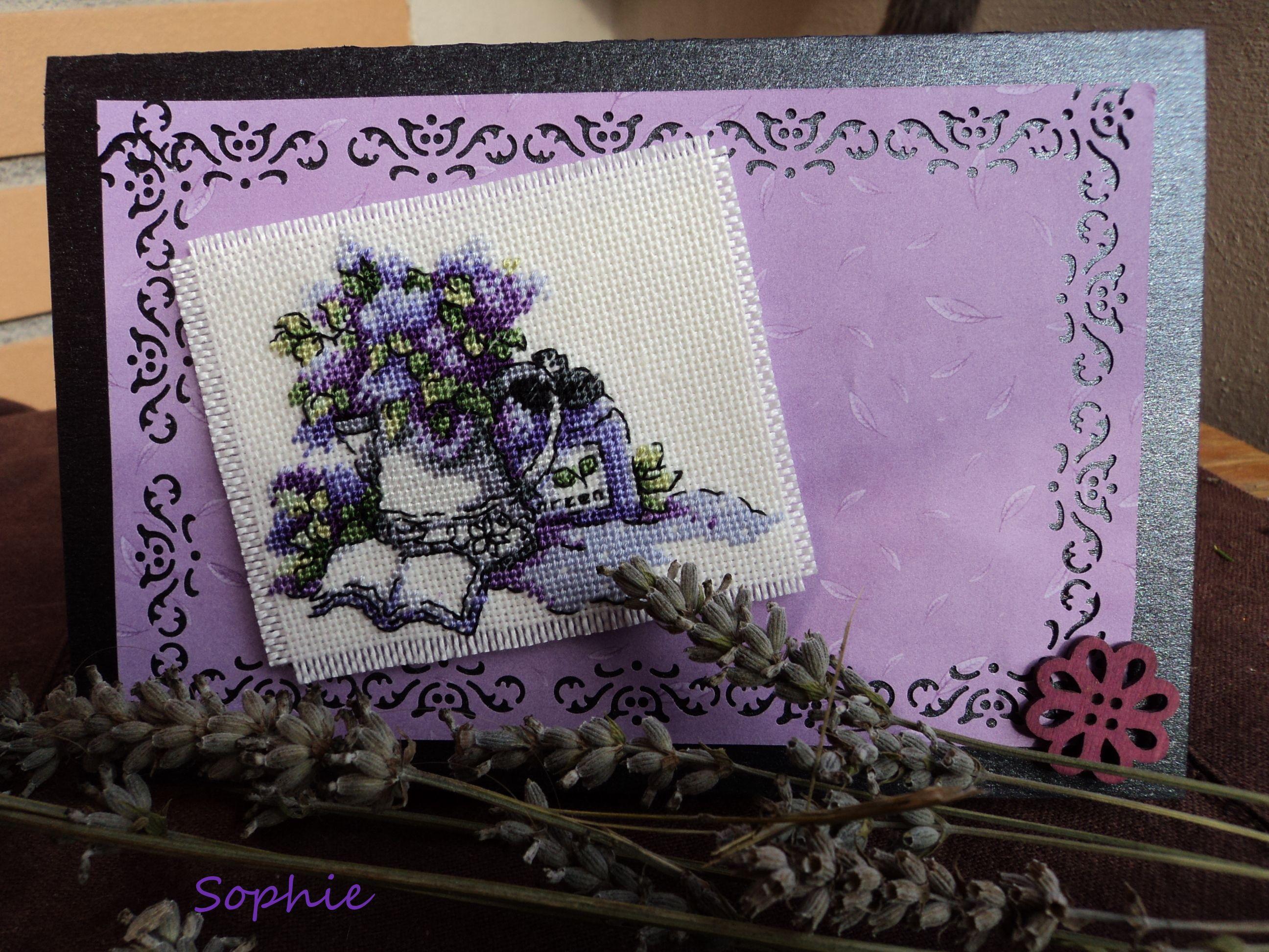 Tarjeta flores violeta
