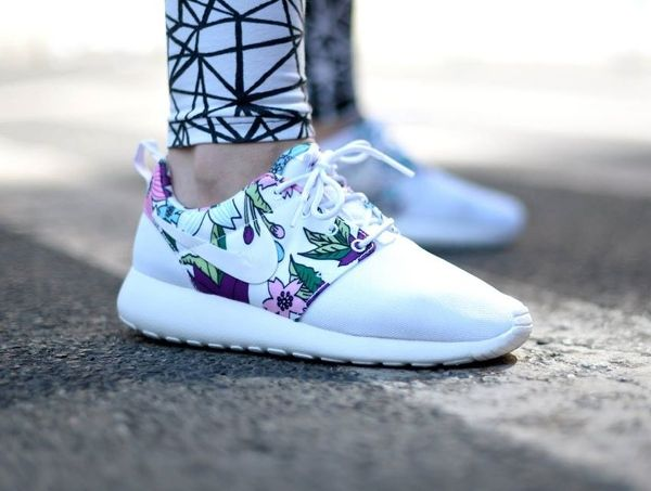 Nike Roshe One Print Floral Bold Berry