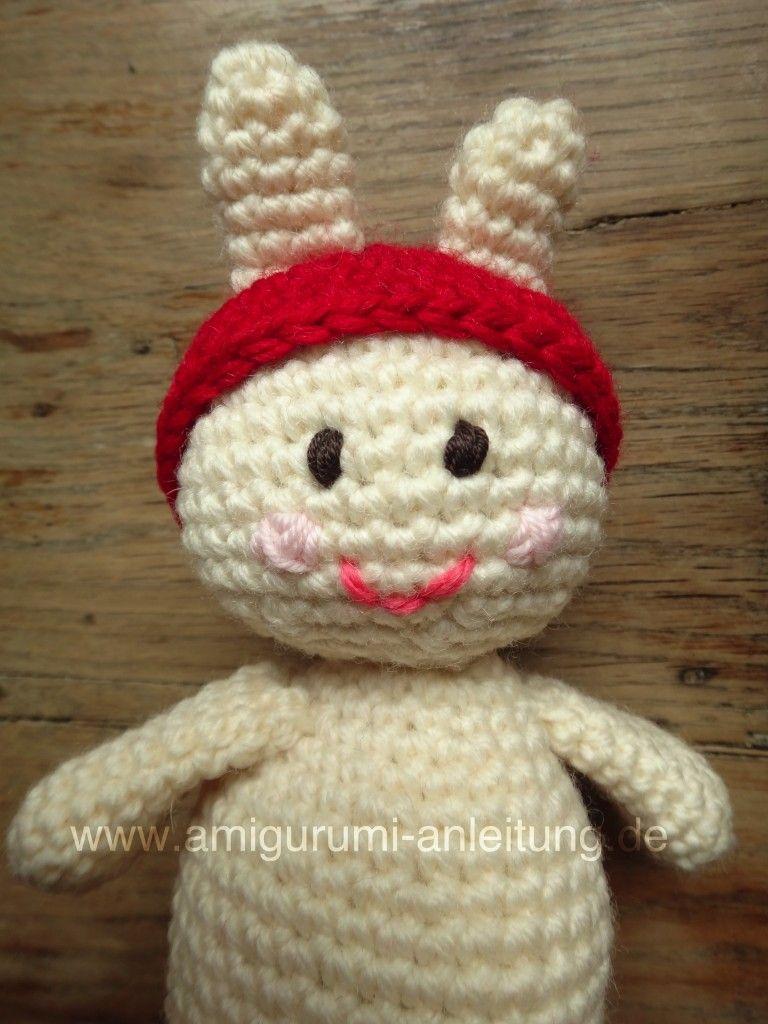 So Sieht Der Amigurumi Hase Mit Mütze Häkeln Pinterest