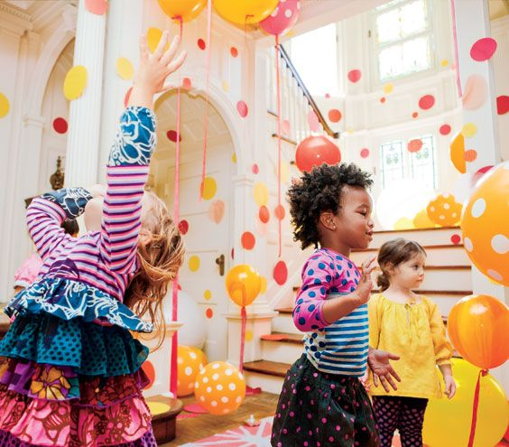 This looks so FUN! Birthday Party Ideas: Circle Party decorations and activities