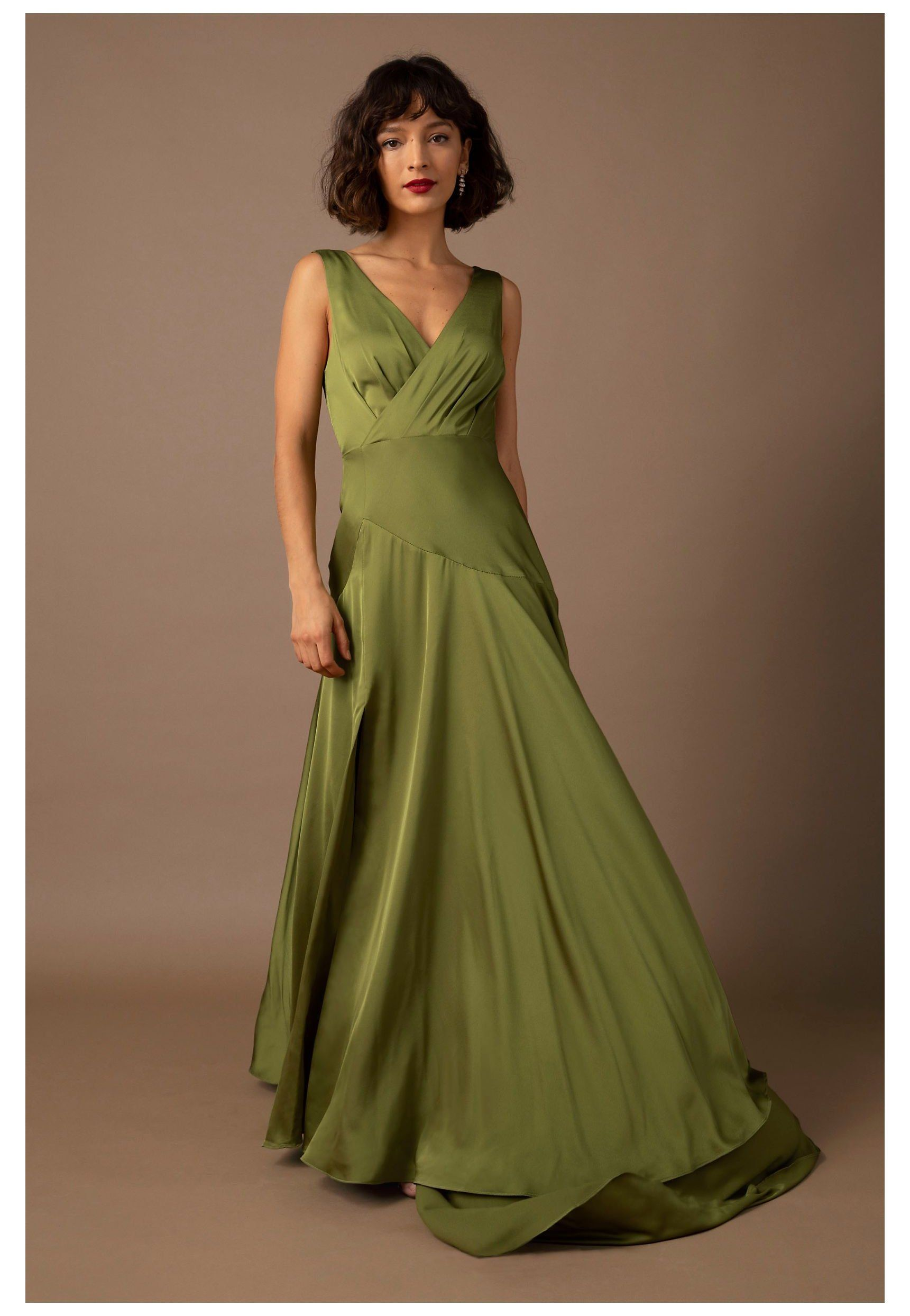 Bhldn S Fame And Partners Escala Satin V Neck Dress In Bright Olive Vintage Green Evening Gown In 2021 Green Evening Gowns Satin Dress Long Vintage Formal Dresses [ 2488 x 1721 Pixel ]