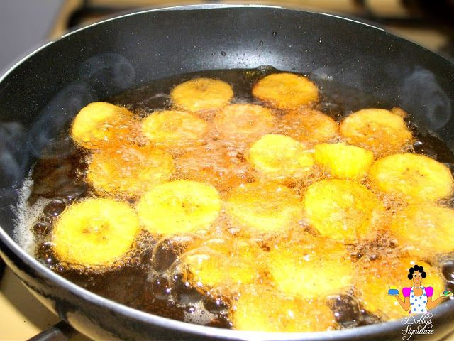 How to fry plantain dodo fried plantain west african food and african food once brown remove and place onto a sieve to drain the excess forumfinder Image collections