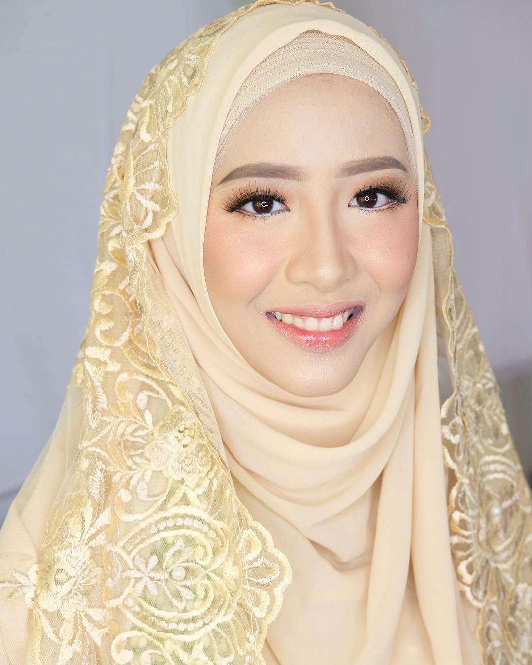 Pin Oleh Sha Di Wedding Muslim Pengantin Pengantin Wanita Gaun Pengantin Sederhana