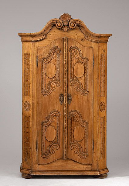 Good Cabinet   19th Century | AUKTIONSHAUS MICHAEL ZELLER