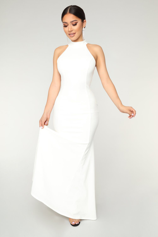 Fashion Nova Released A 44 Replica Of Meghan Markle S Second Wedding Dress Fashion Nova Dress Debut Dresses Off White Fashion [ 1500 x 1000 Pixel ]