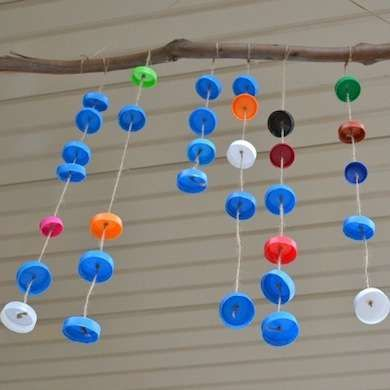 Blown away 12 upcycled wind chimes you can make plastic for What can you make with bottle caps