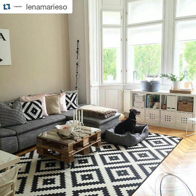 Uberlegen ... #homesweethome #Wohnzimmer #livingroom #Inspiration #Design  #interiordecoration #Teppich #blackandwhite #DIY #LAPPLJUNGRUTA #KALLAX  #SMÅRASSEL #IKEAat