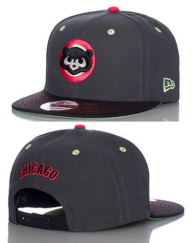 e8157d0c66c NEW ERA Baseball snapback cap Adjustable strap on back of hat for ultimate  comfort Embroidered Chicago Cubs team logo on front Jimmy Jazz Exclusive
