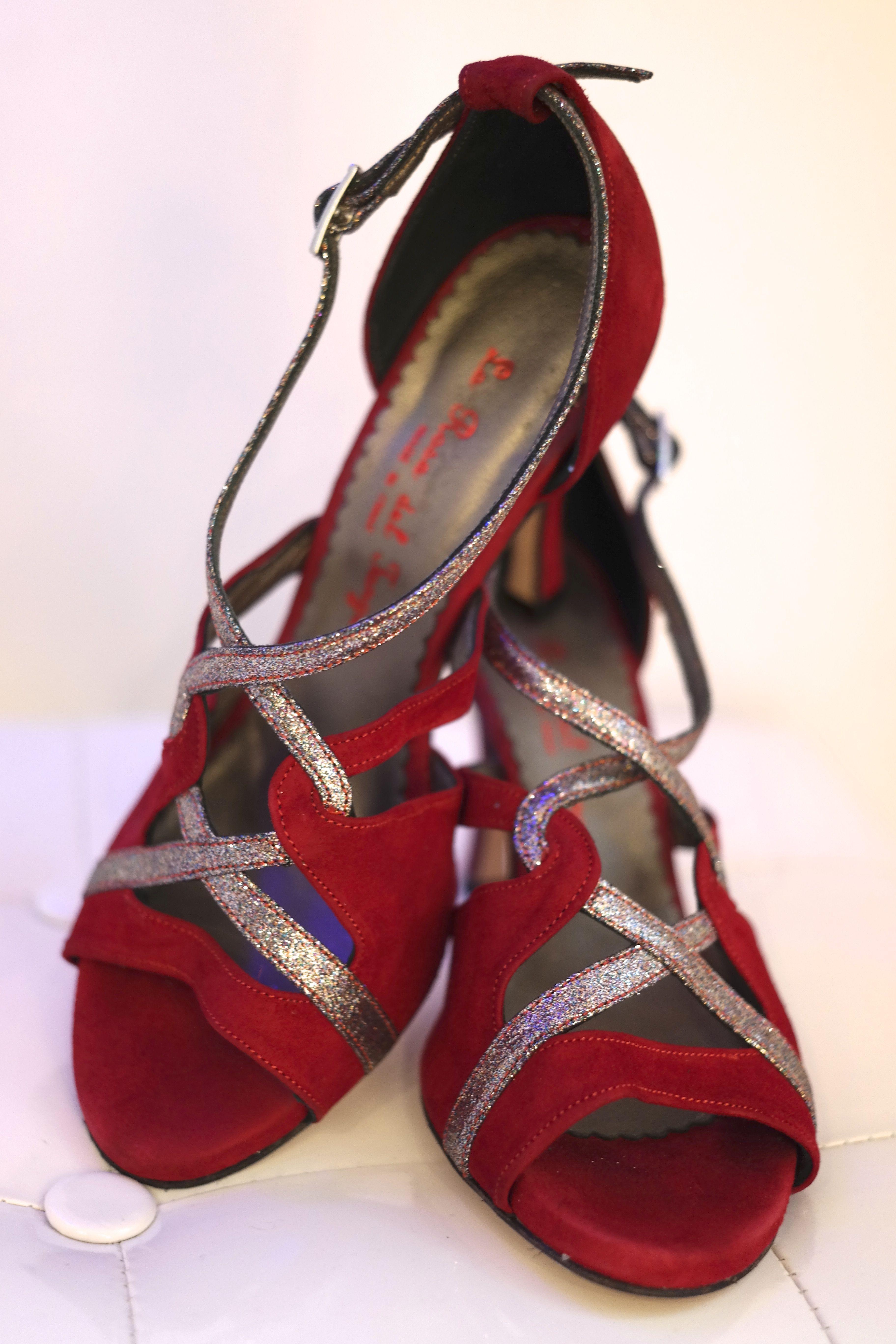 Shoe Love is True Love.   Tanzschuhe, Tanz mode, Tango kleider