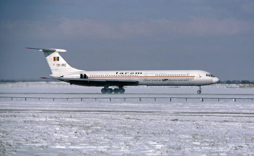 YR-IRE IL-62M Tarom