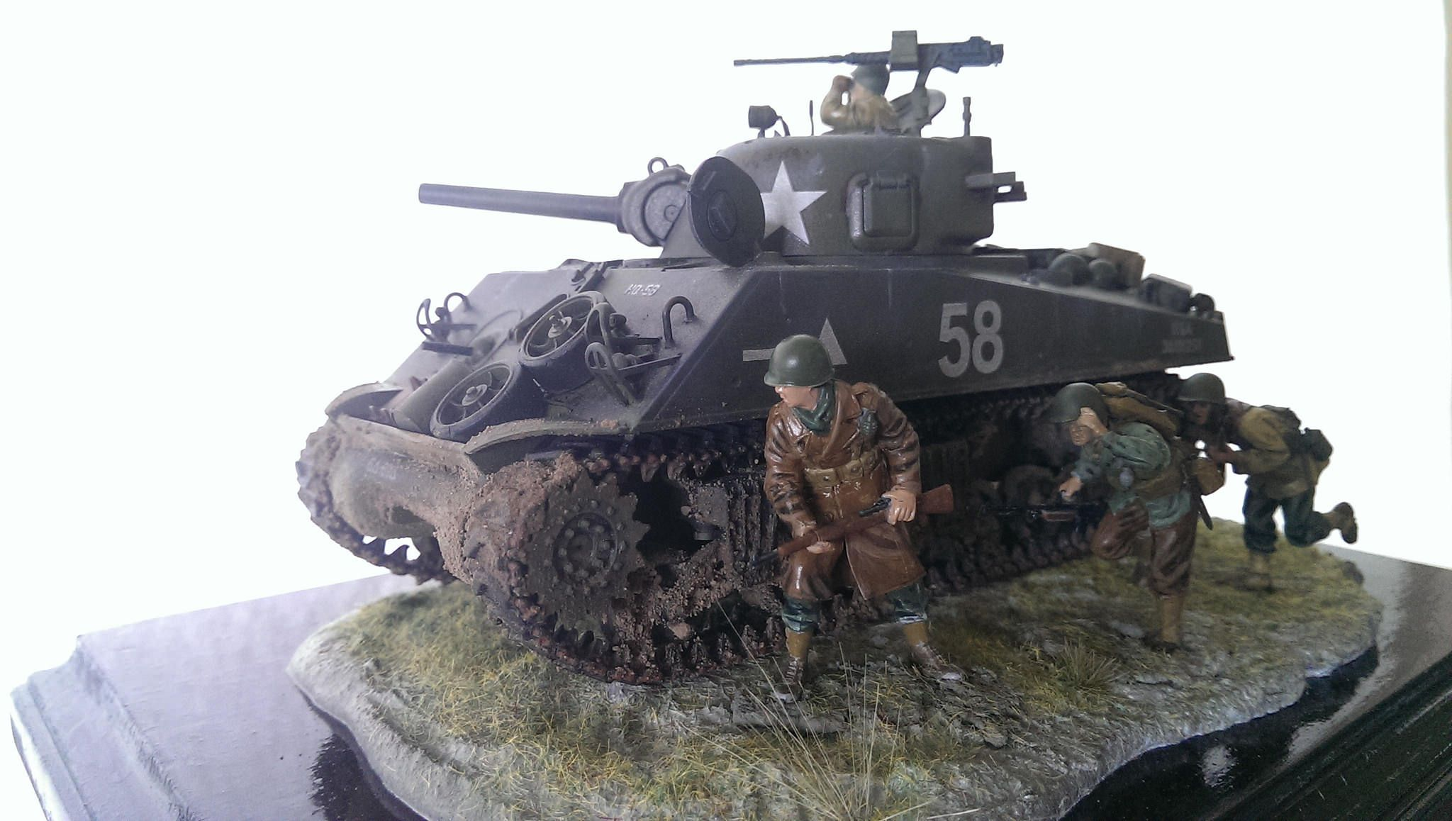 The Tamiya M4A3 Sherman Tank Kit | Building painting model