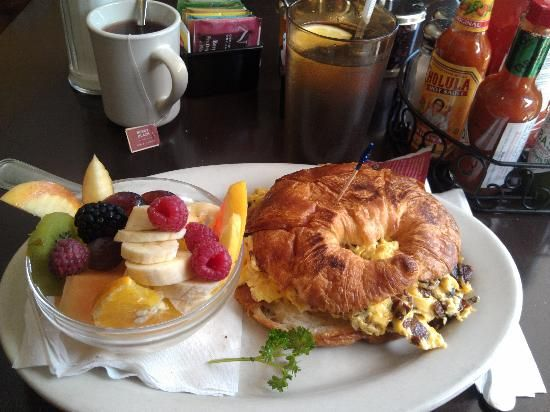 Hollywood Cafe In San Francisco The Breakfast Looks Amazing