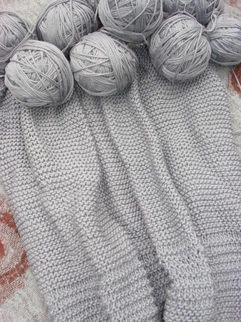 pretty yarn color crafts knit etc pinterest gris fonc gris clair et gris. Black Bedroom Furniture Sets. Home Design Ideas