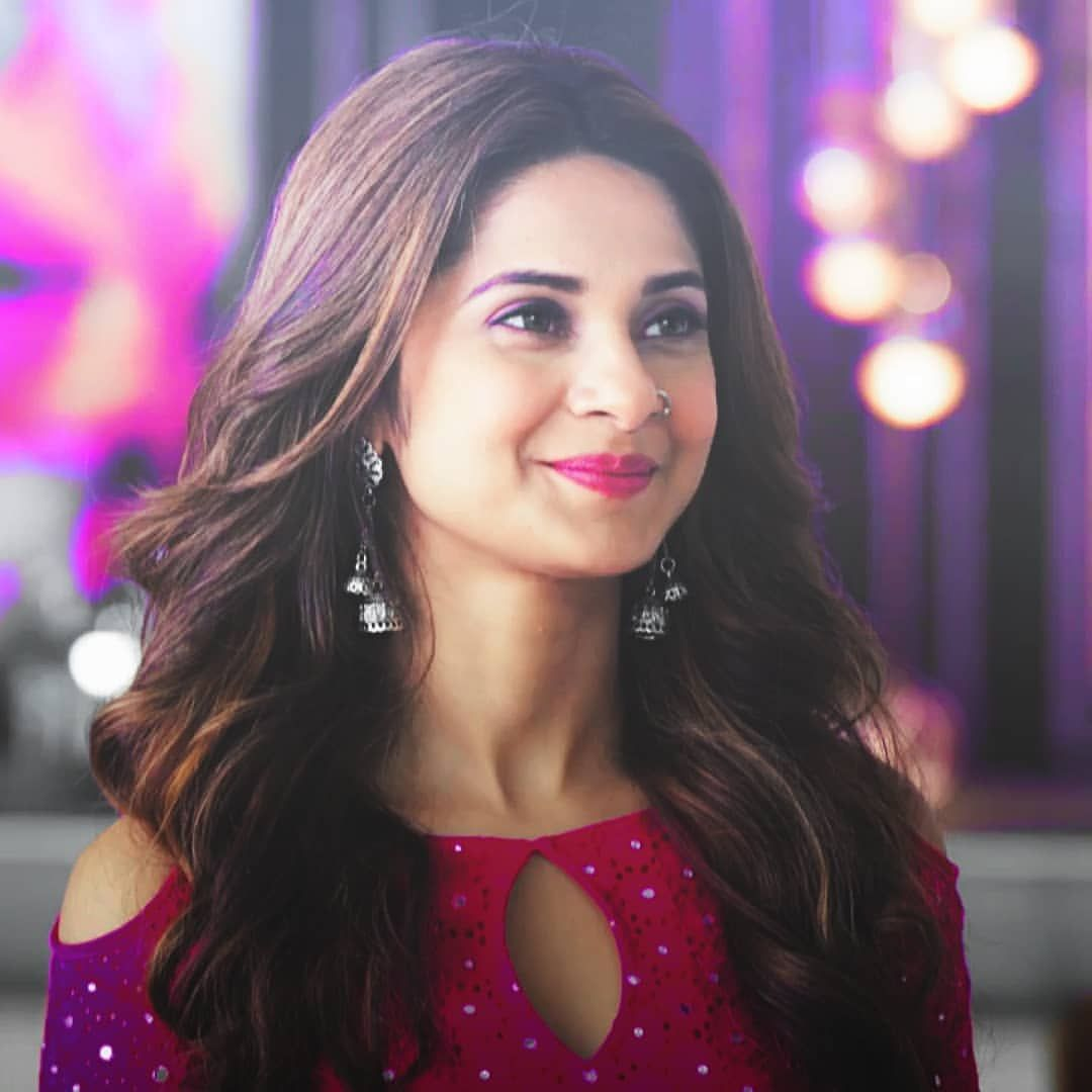 Jennifer Winget Holic On Instagram She Is So Gorgeous I Doubt Sometimes Whether She Belong To This Planet Or Jennifer Winget Jennifer Winget Beyhadh Beauty