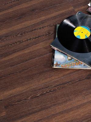 vinylboden designboden design royal space luted oak designboden. Black Bedroom Furniture Sets. Home Design Ideas