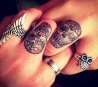 48+ New Ideas for tattoo finger skull day of the dead,  #Day #dead #Finger #ideas #KleineTätowierungamKnöchel #skull #tattoo