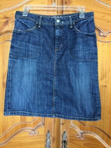 15.80$  Watch now - http://vitts.justgood.pw/vig/item.php?t=1q4vlby9960 - Awesome stretch denim jean skirt by Banana Republic. 15.80$
