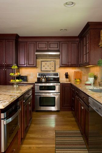 Small Kitchen Design With Cherry Wood Cabinets (With ...