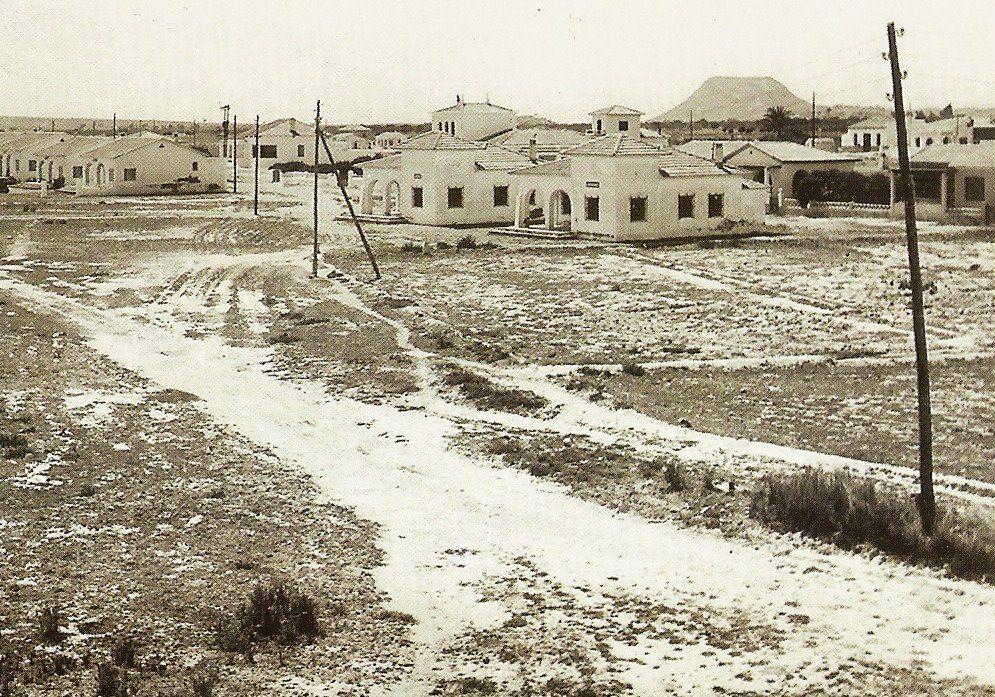 Construcción De Chalets En Los Años 40 Del Siglo Pasado Playa San Juan San Juan Alicante Playa