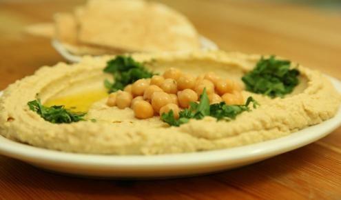 طريقة عمل الحمص Traditional And Perfect Homous Food Recipes Turkish Recipes Food