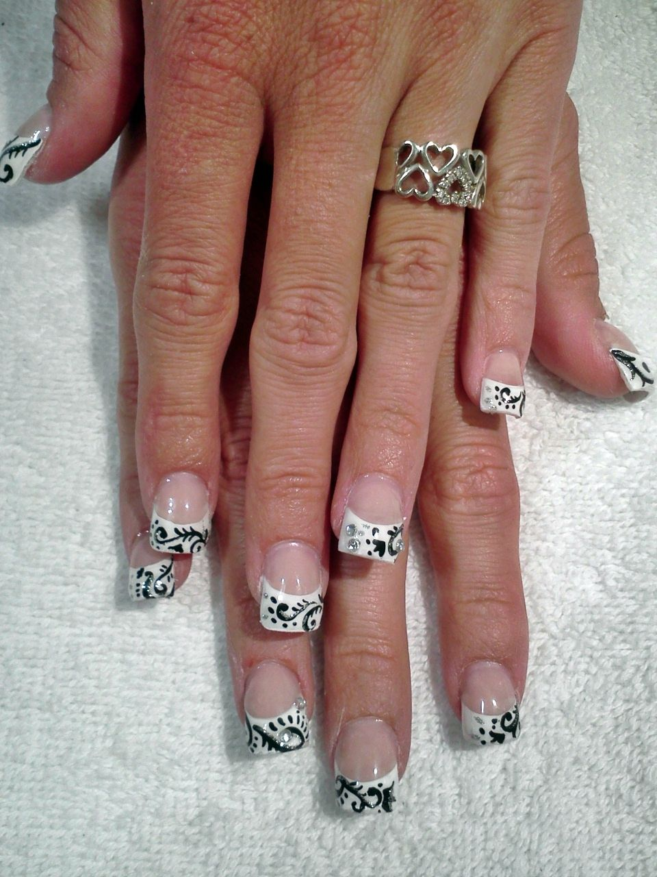 I love this fancy French manicure www.neveranakednail.blogspot.com ...