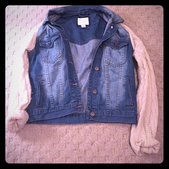 Forever 21 denim jacket with cable knit sleeves. Forever 21 denim jacket with cable knit sleeves. Barely worn and in great condition. Forever 21 Jackets & Coats Jean Jackets