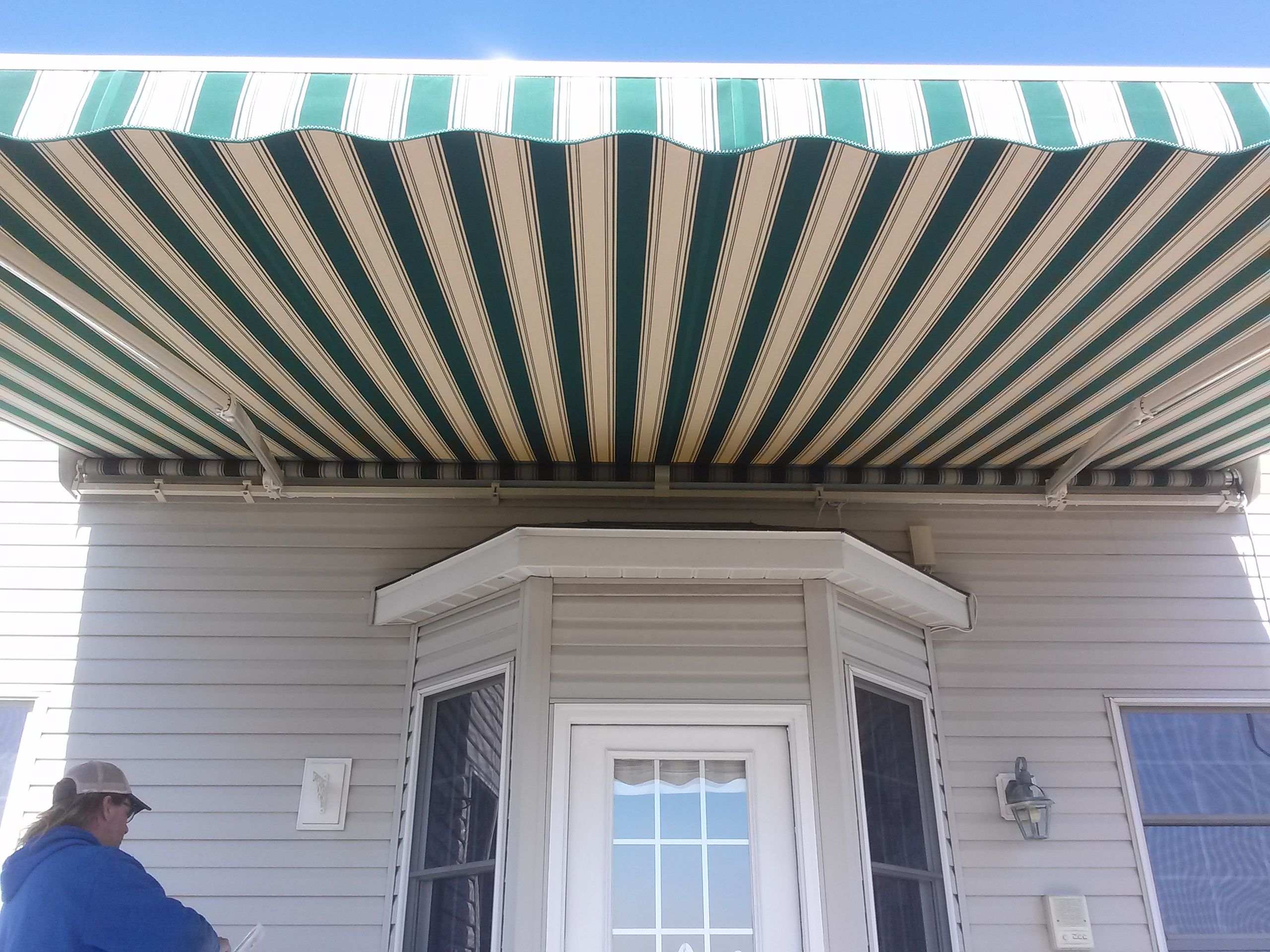 Retractable Awning Over Bay Window Retractable Awnings