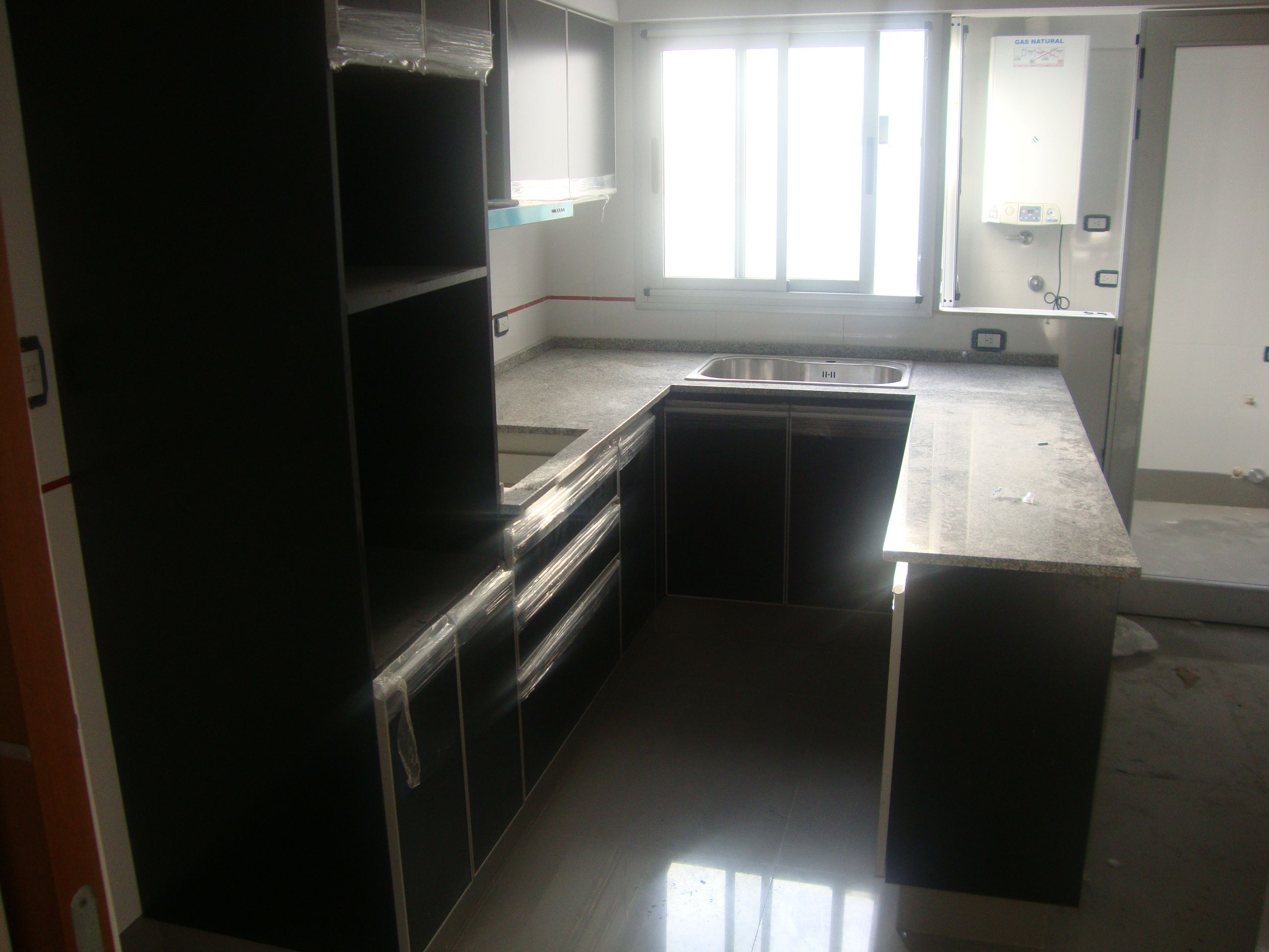 Una cocina en forma de u idealesg tiene las alacenas y - Cocinas en forma de u ...