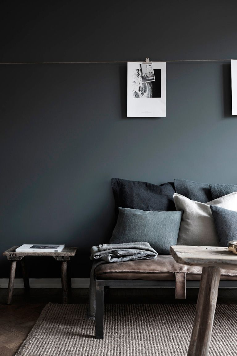 Charcoal Is A Soothing Paint Color For The Living Room Accent With Textures Of Linen And Sheepskin A Minimalism Interior Room Interior Minimal Interior Design