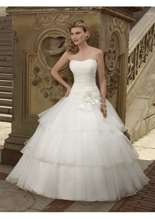 Elegant Princess Style Organza Ball Gown Wedding Dress with dropped ...