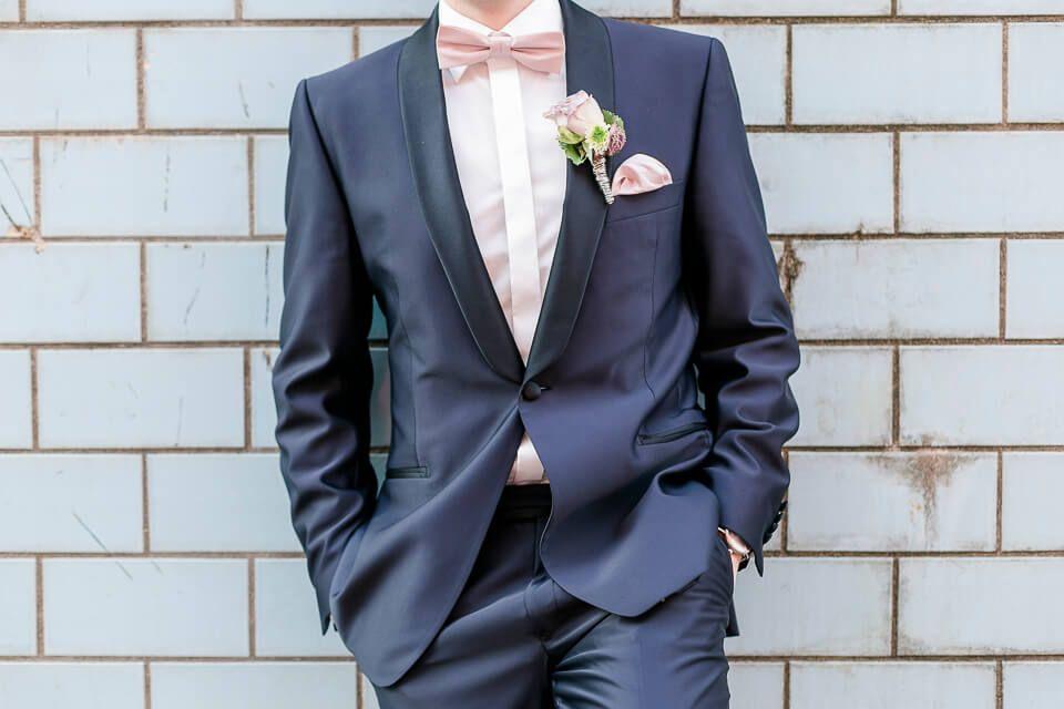 Brautigam Im Blauen Anzug Fotografiert Von Anni Hochzeitsfotografie