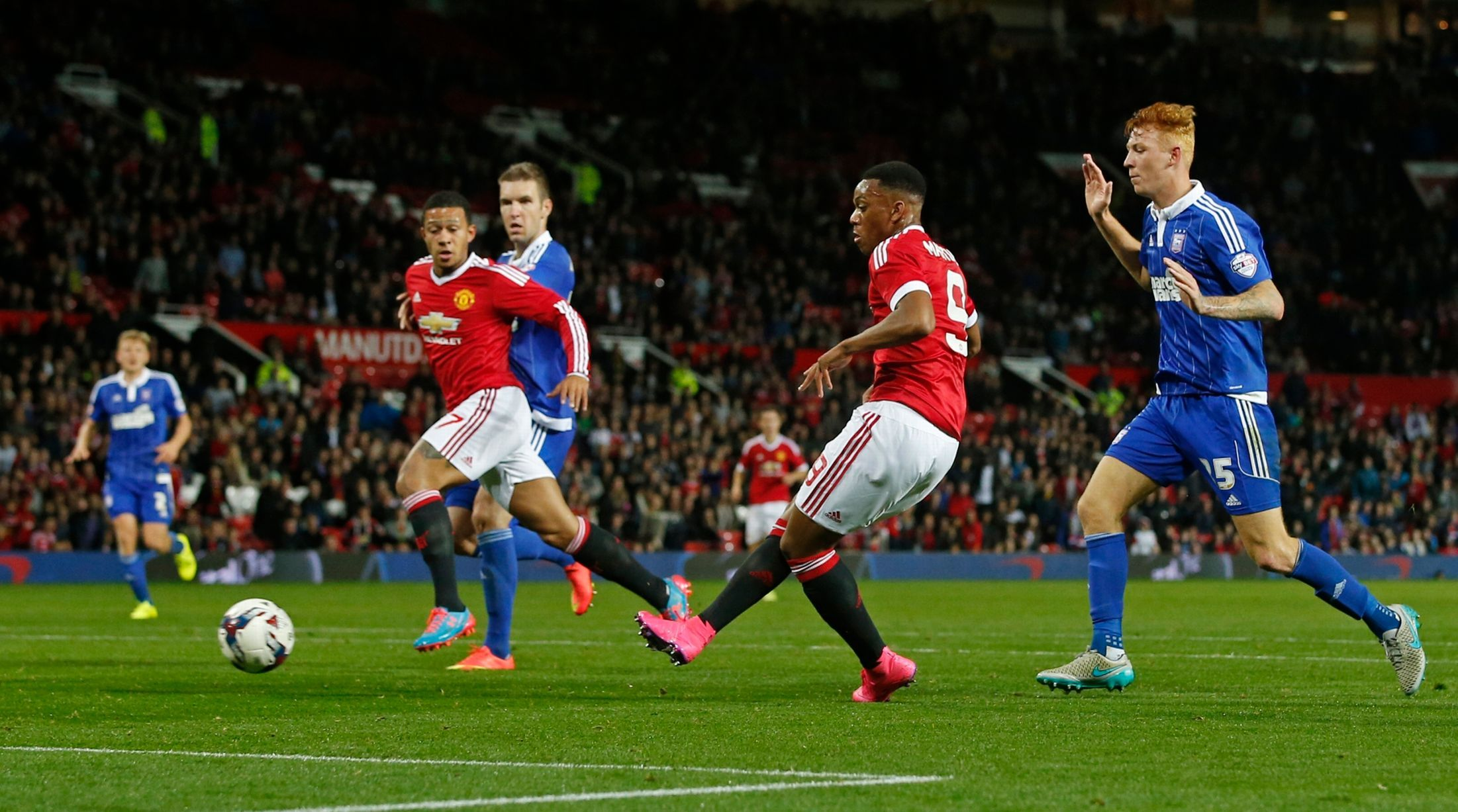 Anthony Martial Scores The Final Goal Of The Night Vs Ipswich Real Soccer Anthony Martial Soccer Fans