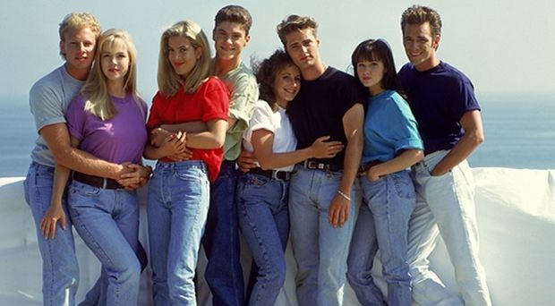 Pin By Deanna Als On Decade Fashion 90210 Fashion Mom Jeans