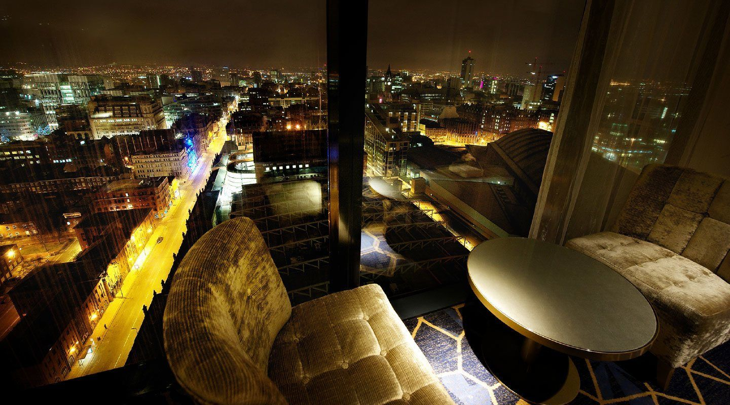 Cloud23: #Floortoceilingwindows for #cocktails in # ...