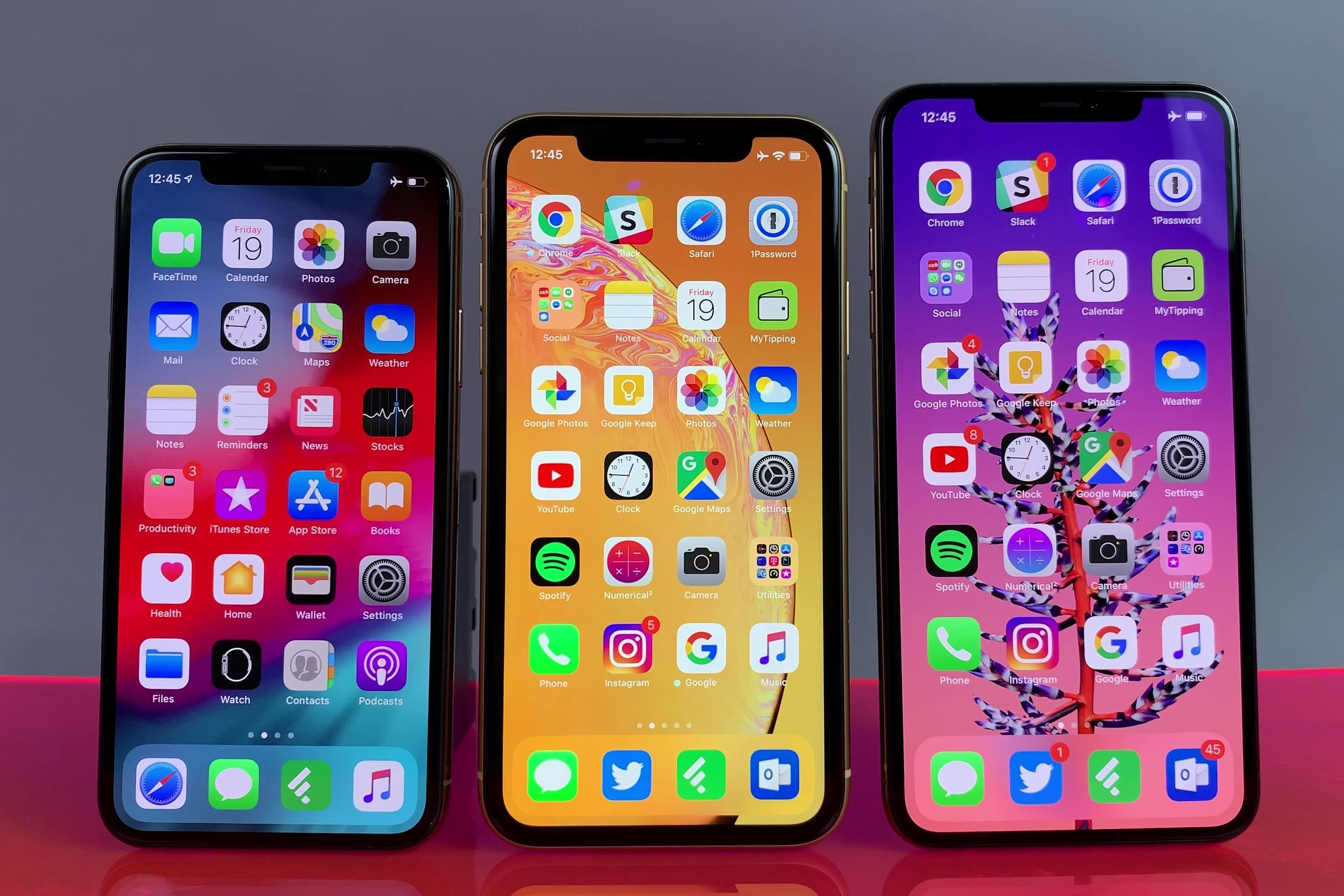 Iphone Xr In 2020 Iphone Whats On My Iphone Iphone App Layout