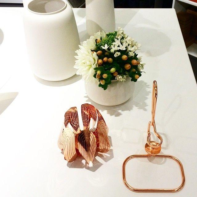 Blossom tealight candle holder - Copper  www.beandliv.com #finnishdesign #beandliv #candleholder Photo by @tipsshopno