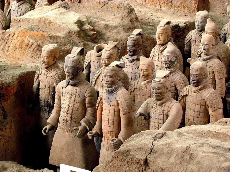 Картинки по запросу необычные древние статуи | Статуи ...
