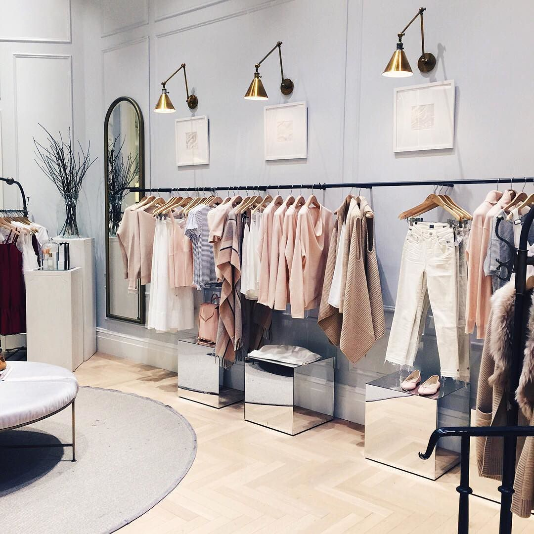 Home Design And Deko Shopping If @clubmonaco Says Pinks For Fall I'm 100% Good With This… | Store Design Boutique, Store Design Interior, Store Interiors