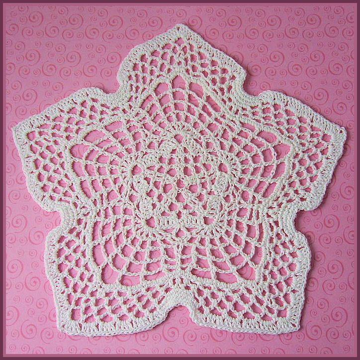 Celtic Star Doily - A free Crochet pattern from jpfun.com.